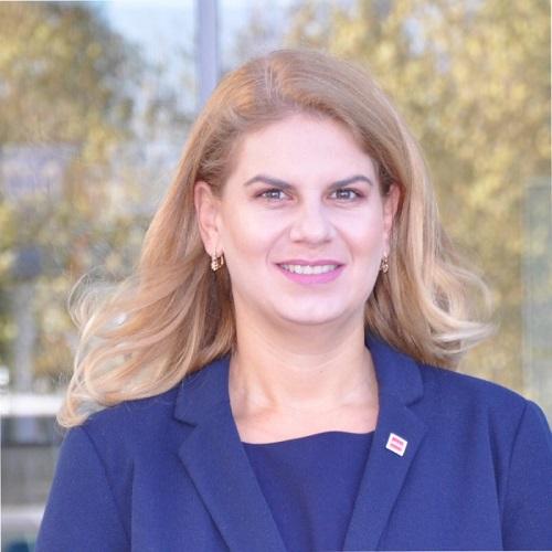 Cristina Guṭu, FCCA, DipIFR